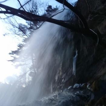 乙女滝裏側3月.JPG