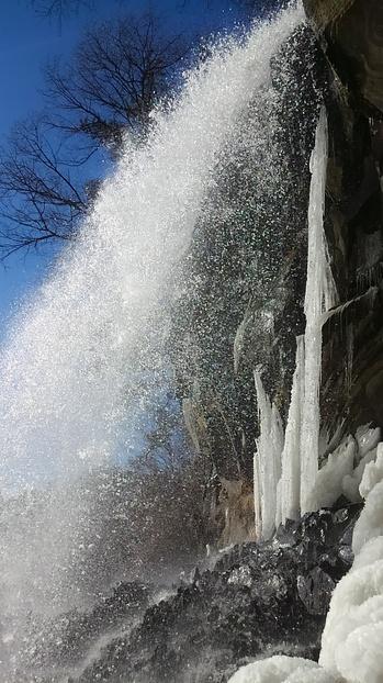 0117 滝中氷柱.JPG